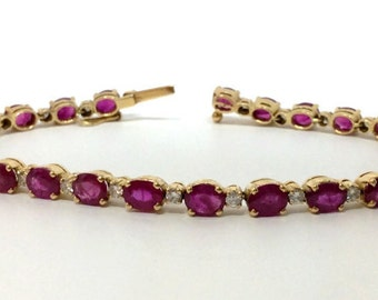 Antique Ruby Bracelet with Diamonds accents in Yellow Gold