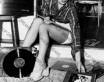 "Audrey Hepburn Wall Art Print of The Hollywood Legend Vintage A4 (11.7"" x 8.3"")"