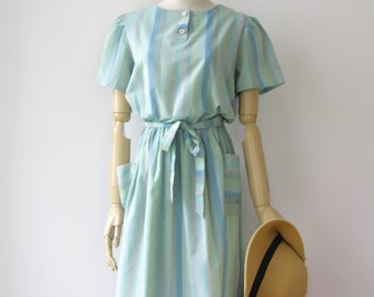70s Pastel green day dress. Grunge dress. Pastel Midi dress. Soft grunge babydoll dress. Pastel green garden dress. Green striped dress