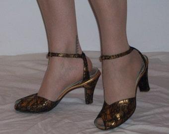 Devastating 1940s black and gold lace patterned peep toe ankle strap heels US 9 - 9 1/2, UK 7 - 7 1/2