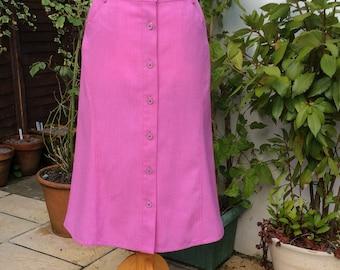 Vintage UK18 US14 EU46 skirt, pink button through