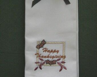 THANKSGIVING NAPKINS.Embroidered Thanksgiving  Napkins. Cotton Linen Napkins.Set of 4.Holiday Napkins.