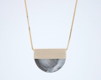 LAST ONE // FORMA n.2 // Porcelain Necklace