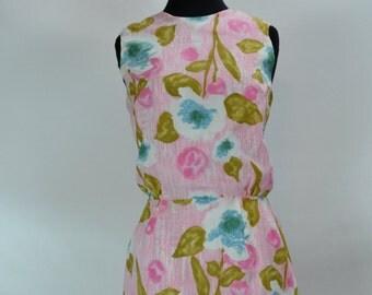 1950s Floral Wiggle Shift Dress, Vintage Dress, Wiggle dress, 1950s dress, 1950s shift Dress, Pinup Dress, 1950s, 1950, 1950s Wiggle Dress