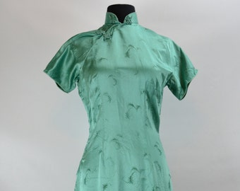 1950s Green Leaf Print Cheongsam Wiggle Dress, 1950s Dress, Wiggle Dress, Pinup Dress, 1950s, Chinese Dress, Silk Dress,  Cheongsam Dress,