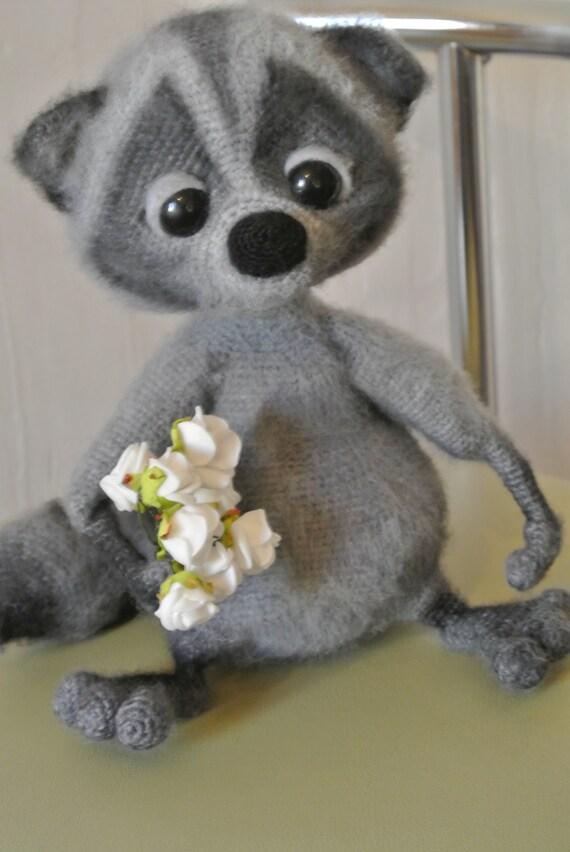 Amigurumi Raccoon : Raccoon gray. Toy handmade. Amigurumi. Gift for children.