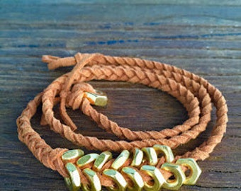Braided brown leather bracelet with gold metal washers