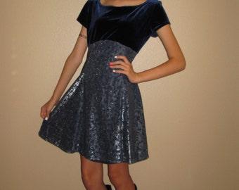 90's Navy Blue Babydoll Dress/Grunge Babydoll/ Navy Velvet/Cool Blue/Silver Metallic Print On Skirt/Size Small/Medium