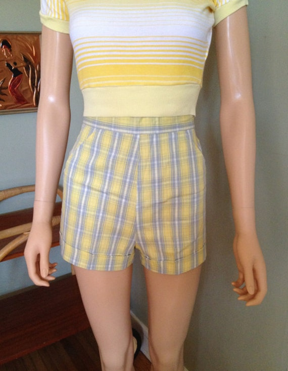 1950s Sunny Yellow White  and Gray Plaid High Waist Pocketed Cuffed Cotton Shorts -XS