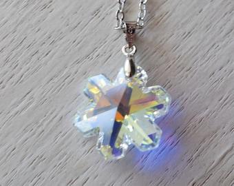 silver snowflake necklace, swarovski elements, winter wedding, bridesmaid necklace, friend necklace, snow necklace, silver necklace, friend