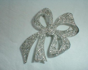 vintage kjl art deco pave crystal bow brooch antique style sparkling crystals filigree statement brooch pin silver clear crystals kjl