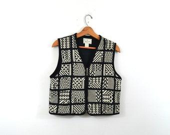 Vintage Vest Black and White Vest Southwestern Vest Aztec Vest Tribal Print Vest Quilted Vest 80s Vest Tantrums Size Medium