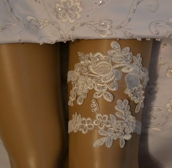 Vintage Lace Wedding Garter Set: Lace Wedding Garter Set, Wedding Garter, Unique Ivory