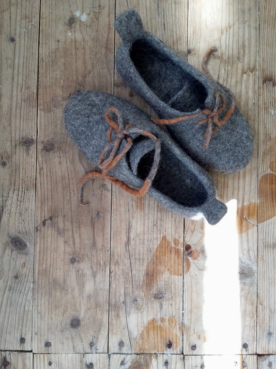 Felted Mens slippers Handmade wool Sneakers Elk ornament