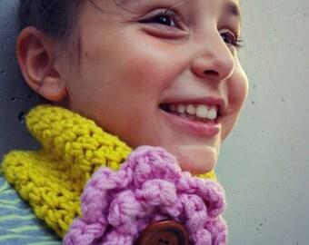 New. Crochet Headband Cowl with Flower. Uncinetto Fascia Scaldacollo con fiore