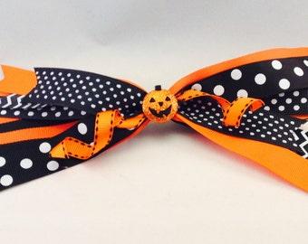 Halloween Streamer Bow