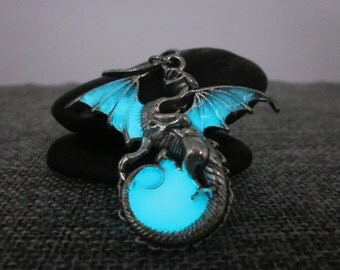 Glow in the dark Dragon Surround the Moon necklace,Glowing necklace,Twilight necklace
