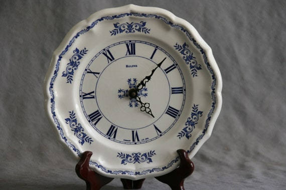 Bulova Ceramic Plate Wall Clock Blue White Onion Willow