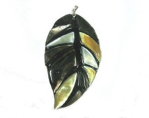 Leaf Mother of Pearl Pendant (1pc)