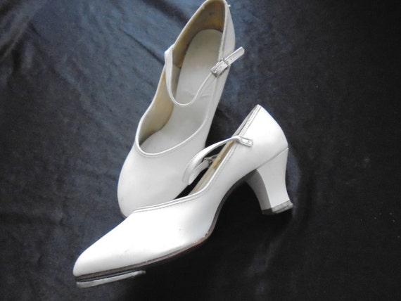 Vintage tap dance  shoes/white ladie's shoes/ capezio, tele tone tap, trade mark 1920