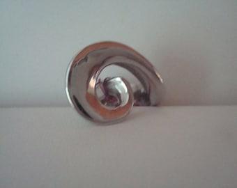 Vintage stainless steel swirl ring