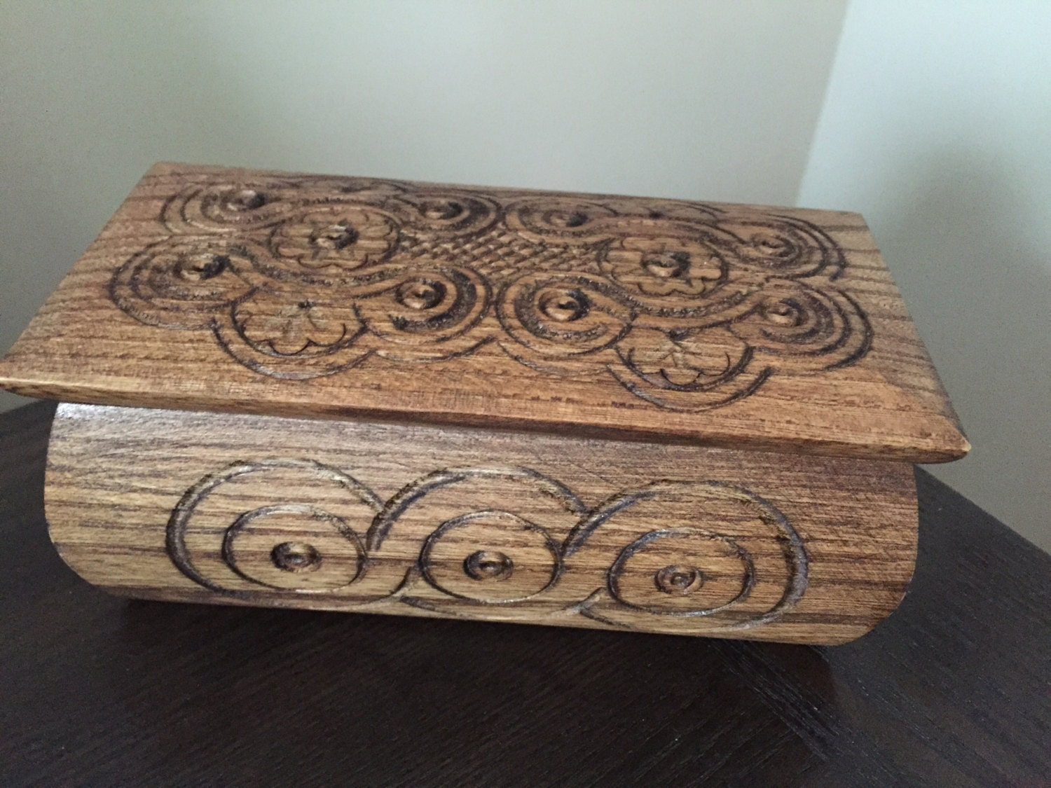Hand carved wooden jewelry box wooden jewelry box ukrainian for How to carve a wooden ring
