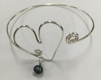 Silver Wire Heart Fresh Water Pearl Bangle Bracelet