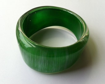 Vintage Hand Painted Lucite Wave Bangle Green Silver Tone