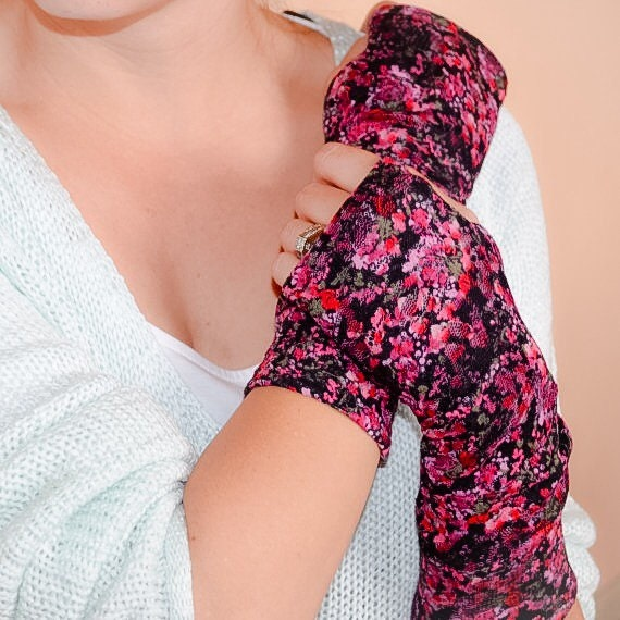 Fingerless gloves floral lace fingerless gloves by for Lace glove tattoo