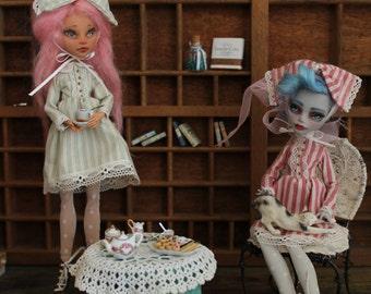 Tea time 3pcs: dress,lace,tights.