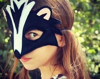 Handmade skunk mask, tail
