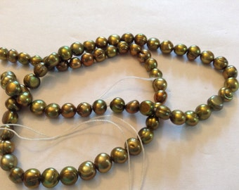 Mother of pearl green beads