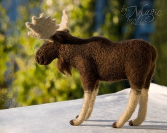 Needle felt moose, moose toy, wool felt animal, moose gift, custom animal, moose art, brown sculpture