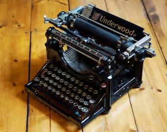 SOLD! Antique Underwood No 5 Standard Typewriter With black Glass Keys
