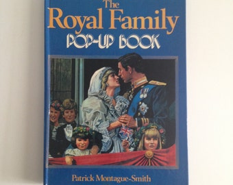 The Royal Family Pop-Up Book