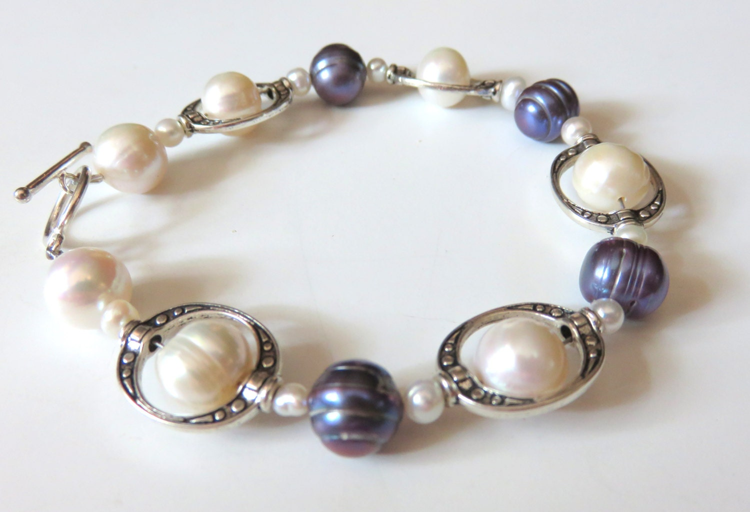 black and white freshwater pearl bracelet silver pearl. Black Bedroom Furniture Sets. Home Design Ideas