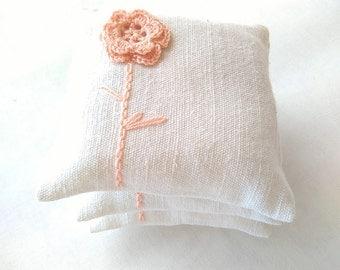 Lavender sachets set of 2 - wedding favors-crochet sachet lavander natural colours - birthday gift - mini lavender pillow