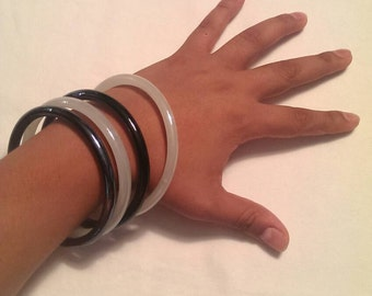 Set of 4 hand made hand blown glass bangles black and white
