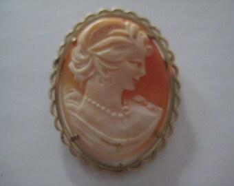 Vintage Cameo Pin/Charm