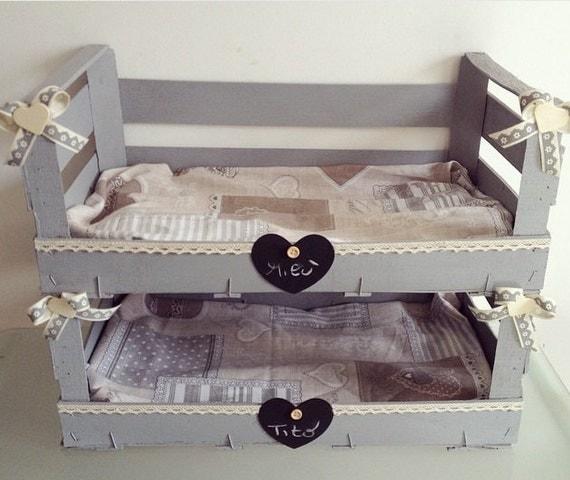 articles similaires lit superpos pour chats ou chiens de petite taille sur etsy. Black Bedroom Furniture Sets. Home Design Ideas