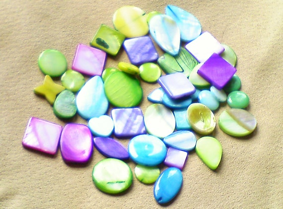 shell beads dyed mother of pearl mixed shapes in bright green blue purple and lime 35 pcs 2. Black Bedroom Furniture Sets. Home Design Ideas