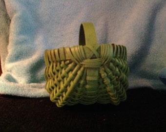 8 inch Egg Basket