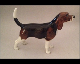 Fabulous-Vintage-Hutschenreuther-German-Porcelian-Glazed-Beagle-Male-Hound-Dog-Fiigurine
