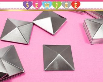 15mm (1.5cm) | 2cm | 3cm | 4cm Gunmetal Pyramid Hot Fix Glue On|Large Acrylic Square Pyramid Stud|Studs| DYI|Punk|Goth|Embellishment V100