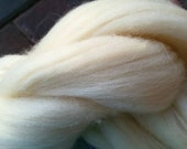 100% Natural Creamy White Wool~4 oz Wool Roving~Wool Fiber for Felting•Spinning•Dying•Stuffing~Undyed~Wool for DIY Crafts
