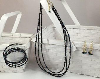Three-strand black and gold seed bead jewelry set