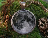 Glow in the dark / Gray Moon / Glowing necklace / Glowing jewelry /Jewelry glow / Glow in the dark Pendant / Unique pendant / Night and moon