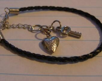 "Starter Charm Bracelet (""Key to my Heart"" Metal Charm)"