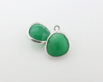 G001013P/Palace Green/Rhodium plated over brass/Asymmetrical framed glass pendant/13mm x 15.8mm/2pcs