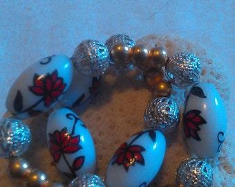 Red Floral Glass Beaded Bracelet